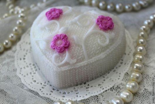 """Мыло ручной работы. Ярмарка Мастеров - ручная работа. Купить мыло ручной работы """"Вязаное сердечко"""". Handmade."""