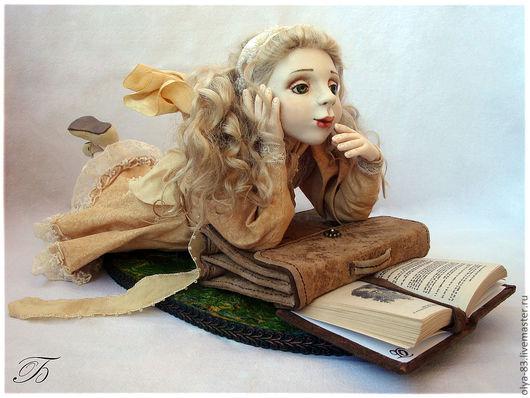 """Коллекционные куклы ручной работы. Ярмарка Мастеров - ручная работа. Купить фарфоровая кукла """"Внеклассное чтение"""". Handmade. Авторская работа"""