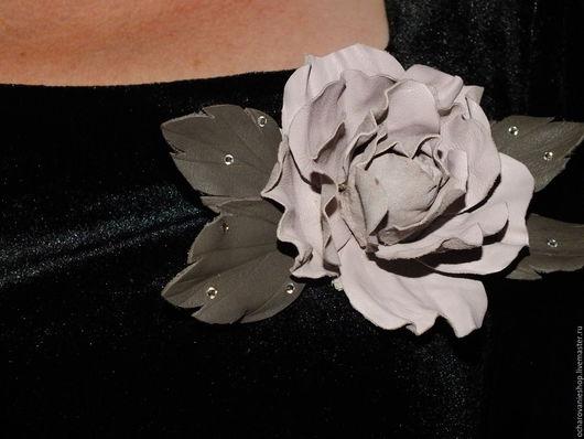 """Броши ручной работы. Ярмарка Мастеров - ручная работа. Купить Брошь из кожи """"Роза в ассортименте"""".. Handmade. Брошь роза"""