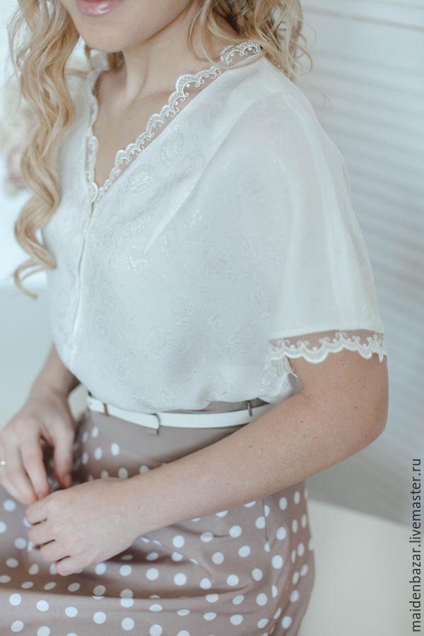 Купить по белой блузке