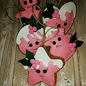 Подарки к праздникам ручной работы. Ярмарка Мастеров - ручная работа Игрушки на елку из фетра. Handmade.