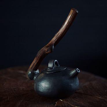 Посуда ручной работы. Ярмарка Мастеров - ручная работа Керамический чайник с дубовой ручкой. Handmade.