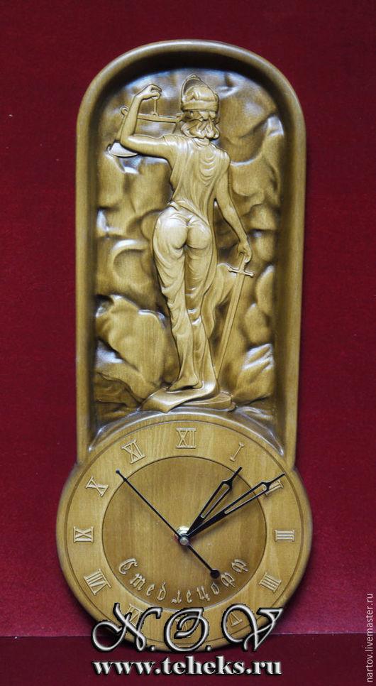 """Часы для дома ручной работы. Ярмарка Мастеров - ручная работа. Купить Резные часы из дерева """"Обратная сторона правосудия"""". Handmade."""