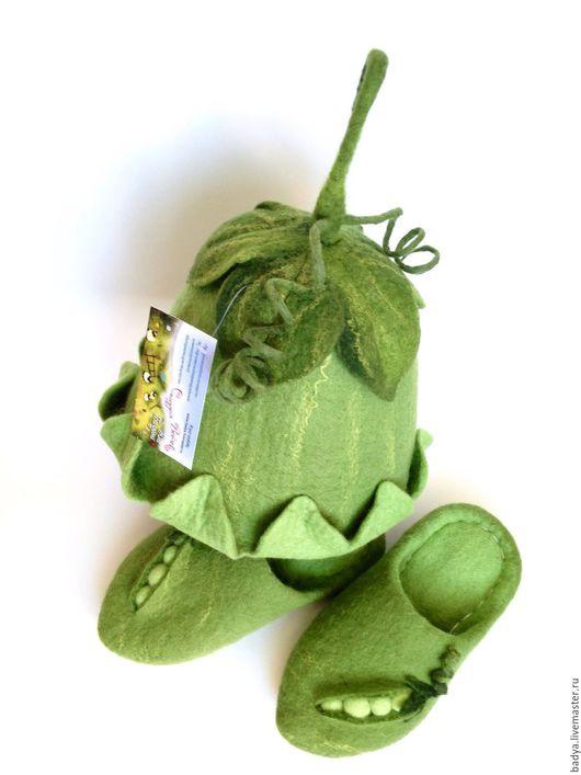 """Банные принадлежности ручной работы. Ярмарка Мастеров - ручная работа. Купить """"Зеленый горошек"""" Тапочки и Шапочка. Handmade. Зеленый, комплект"""