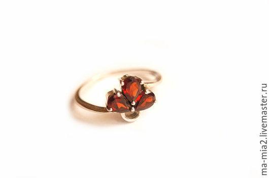 Кольца ручной работы. Ярмарка Мастеров - ручная работа. Купить кольцо Гранатовые лепестки 2.0. Handmade. Бордовый