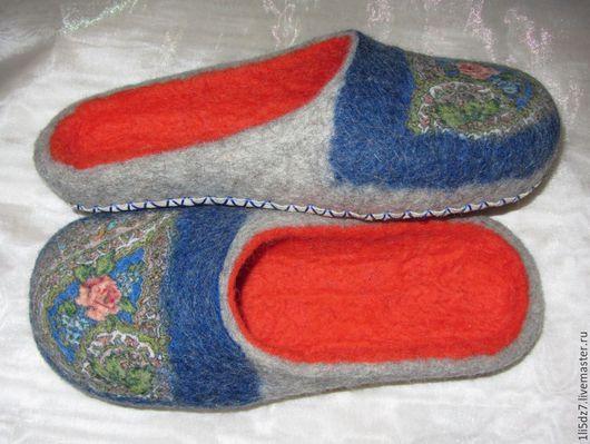 Обувь ручной работы. Ярмарка Мастеров - ручная работа. Купить Валяные шлепки. Handmade. Разноцветный, тапочки из шерсти, подарок