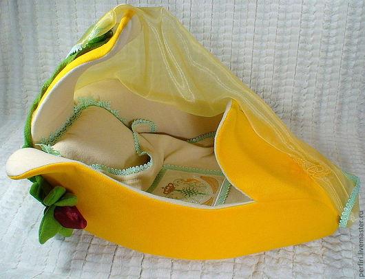 """Кукольный дом ручной работы. Ярмарка Мастеров - ручная работа. Купить Люлька """"Банан"""". Handmade. Желтый, поролон"""