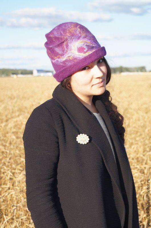 """Шляпы ручной работы. Ярмарка Мастеров - ручная работа. Купить Валяная шляпка """"Перо Кришны"""". Handmade. Тёмно-фиолетовый"""