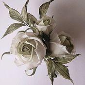 Украшения ручной работы. Ярмарка Мастеров - ручная работа Бутоньерка из белых роз. Handmade.