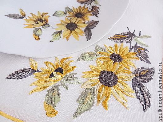Салфетка с вышивкой `Подсолнухи`  по мотивам японского столового сервиза.  `Шпулькин дом` мастерская вышивки