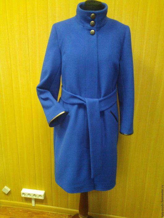 Верхняя одежда ручной работы. Ярмарка Мастеров - ручная работа. Купить Пальто на утеплителе с деталями из кожи - цвет ультра-синий. Handmade.