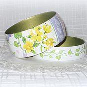 Украшения ручной работы. Ярмарка Мастеров - ручная работа Белые браслеты из дерева Цветы весны. подарок 8 марта зеленый желтый. Handmade.