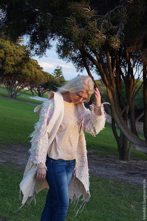 """Верхняя одежда ручной работы. Ярмарка Мастеров - ручная работа. Купить Пальто """"Australia.Zima"""". Handmade. Белый, абстрактный"""
