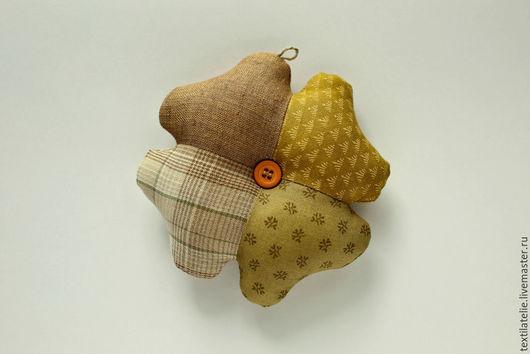 Персональные подарки ручной работы. Ярмарка Мастеров - ручная работа. Купить Клевер-четырехлистник - символ удачи. Амулет-оберег из ткани. Handmade.