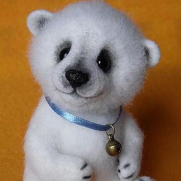"""Куклы и игрушки ручной работы. Ярмарка Мастеров - ручная работа Игрушка из шерсти """"Белый медвежонок"""". Handmade."""