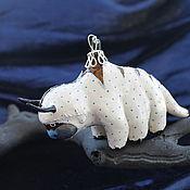 Елочные игрушки ручной работы. Ярмарка Мастеров - ручная работа Елочная игрушка из папье маше Шестилапый бизон Аппа. Handmade.