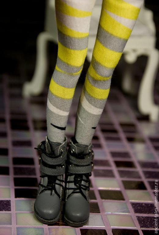 Ботинки сапоги для кукол из коллекции Puppet Show. Обувь для куклы