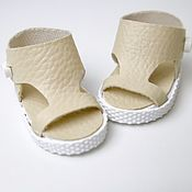 Куклы и игрушки handmade. Livemaster - original item Clothing for dolls: beige sandals for paulka. Handmade.
