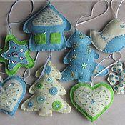 Подарки к праздникам ручной работы. Ярмарка Мастеров - ручная работа Новогодние игрушки на елку из фетра. Handmade.