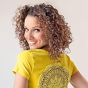 Одежда ручной работы. Ярмарка Мастеров - ручная работа Ярко-желтая футболка ажурной аппликацией на спине Размер S. Handmade.