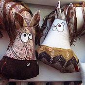 Для дома и интерьера ручной работы. Ярмарка Мастеров - ручная работа Лошадь подушка для авто. Handmade.