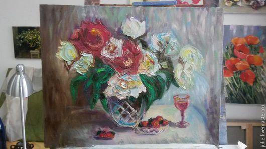 Натюрморт ручной работы. Ярмарка Мастеров - ручная работа. Купить Цветы, рюмка вина, клубника.... Handmade. Разноцветный, натюрморт с цветами