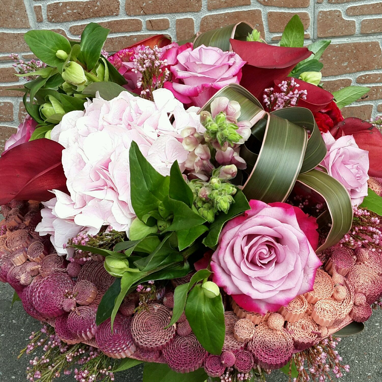 Подарочные букетов из живых цветов фотографии, лилии розы