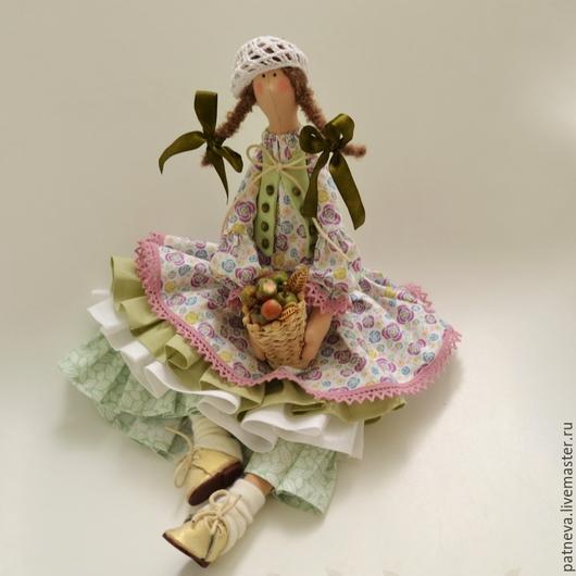 Кукла Тильда с яблочками
