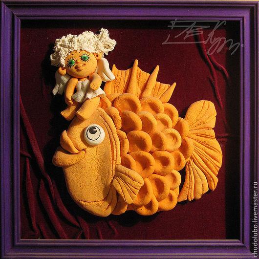 """Эта рыбка с ангелом -хранителем принимала участие в нескольких выставках.Прекрасный подарок для родившихся под знаком """"рыб"""""""