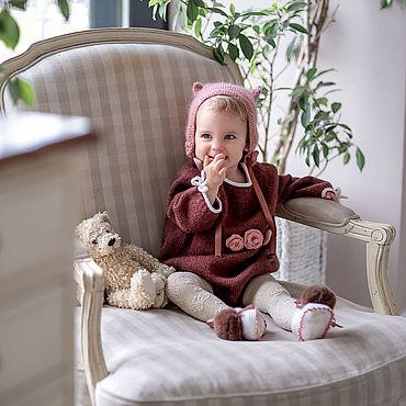 Товары для малышей ручной работы. Ярмарка Мастеров - ручная работа Винтажный ромпер, шапочка-bonnet и пинетки с помпонами для малышки. Handmade.