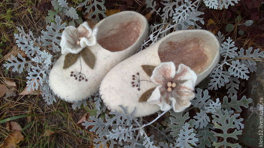 Обувь ручной работы. Ярмарка Мастеров - ручная работа. Купить Тапочки Осенние. Handmade. Белый, бело-серый, шерсть 100%