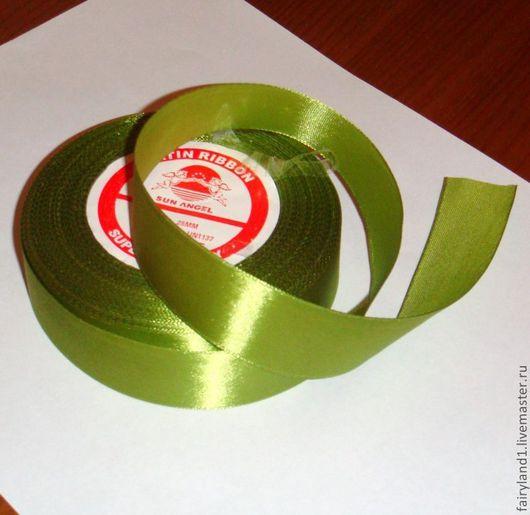 лента атласная светло-зелёная, 25 мм.