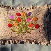 Для дома и интерьера ручной работы. Ярмарка Мастеров - ручная работа Лоскутная подушка. Декоративная наволочка БУКЕТ, аппликация, стежка. Handmade.