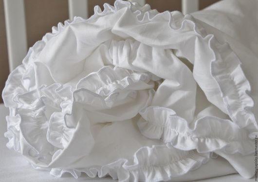 Детская ручной работы. Ярмарка Мастеров - ручная работа. Купить Простынь в кроватку для новорождeнных. Handmade. Белый, белье для девочки, бортики
