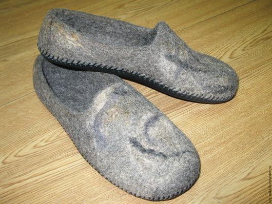 Обувь ручной работы. Ярмарка Мастеров - ручная работа. Купить Тапки валяные мужские. Handmade. Серый, валяные тапки купить