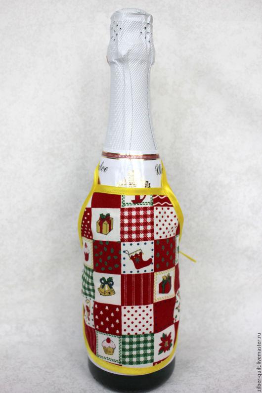 Новый год 2017 ручной работы. Ярмарка Мастеров - ручная работа. Купить Фартук на бутылку Новогодний. Handmade. Ярко-красный