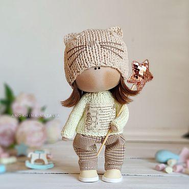 Кукла текстильная интерьерная ручной работы тильда в шапке кошки 22см
