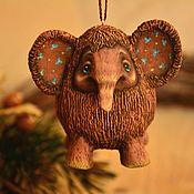 Елочные игрушки ручной работы. Ярмарка Мастеров - ручная работа Мамонтёнок на елку, елочная игрушка мамонт, новогодний подарок маме. Handmade.