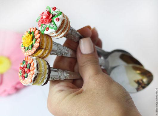 Ложки ручной работы. Ярмарка Мастеров - ручная работа. Купить Вкусная ложка с декором тортики цветочки фрукты. Handmade.