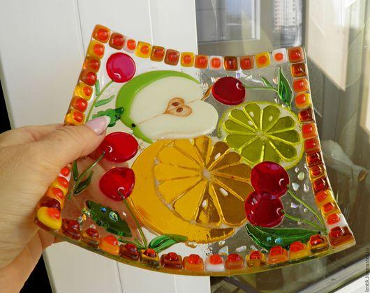 """Тарелки ручной работы. Ярмарка Мастеров - ручная работа. Купить Тарелка из стекла. """"Фруктовый коктейль"""".Стекло.Фьюзинг.. Handmade. Желтый"""