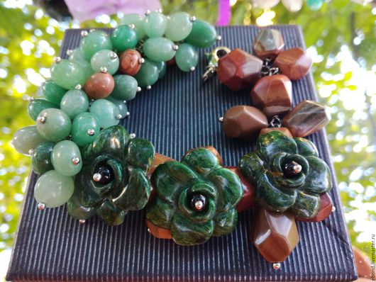 """Браслеты ручной работы. Ярмарка Мастеров - ручная работа. Купить Браслет """"Каменный цветок"""". Handmade. Тёмно-зелёный, браслет с камнями"""