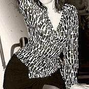 """Одежда ручной работы. Ярмарка Мастеров - ручная работа Костюм:блузка с запахом и юбка с запахом """"Черное и белое"""". Handmade."""