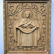 Резная икона из дерева Покров Пресвятой Богородицы