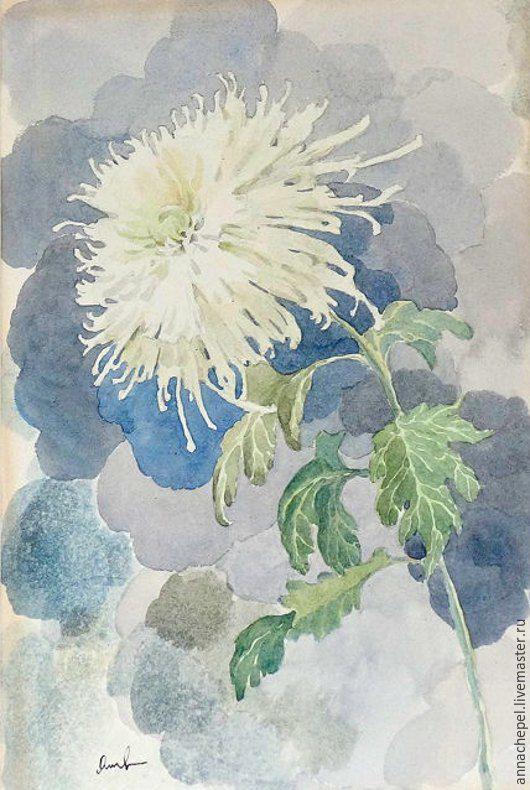 Хризантема. Анна Чепель. 40 x 30 см., бумага, акварель, 2005.  Изображение цветка белой хризантемы на акварельном фоне, крупным мазком в серо-голубых тонах.