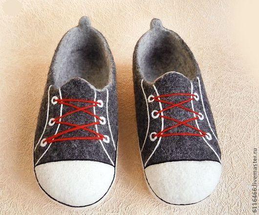 Обувь ручной работы. Ярмарка Мастеров - ручная работа. Купить домашние валяные тапочки из натуральной шерсти Кеды. Handmade. Серый