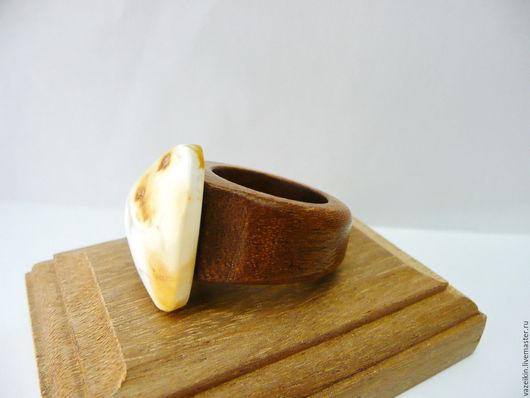 Кольца ручной работы. Ярмарка Мастеров - ручная работа. Купить Кольцо янтарь 17 размер P-037. Handmade. Желтый