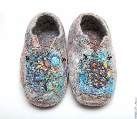 """Обувь ручной работы. Ярмарка Мастеров - ручная работа. Купить Валяные из шерсти тапочки """"Потертый Зимний Пейзаж"""". Handmade. Комбинированный"""