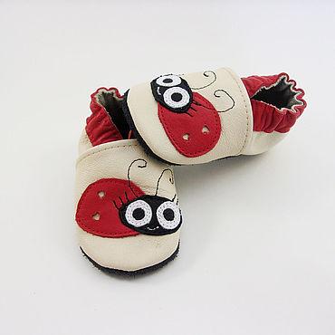 """Обувь ручной работы. Ярмарка Мастеров - ручная работа Кожаные мокасины """"Божья коровка"""",тапочки,чешки,. Handmade."""