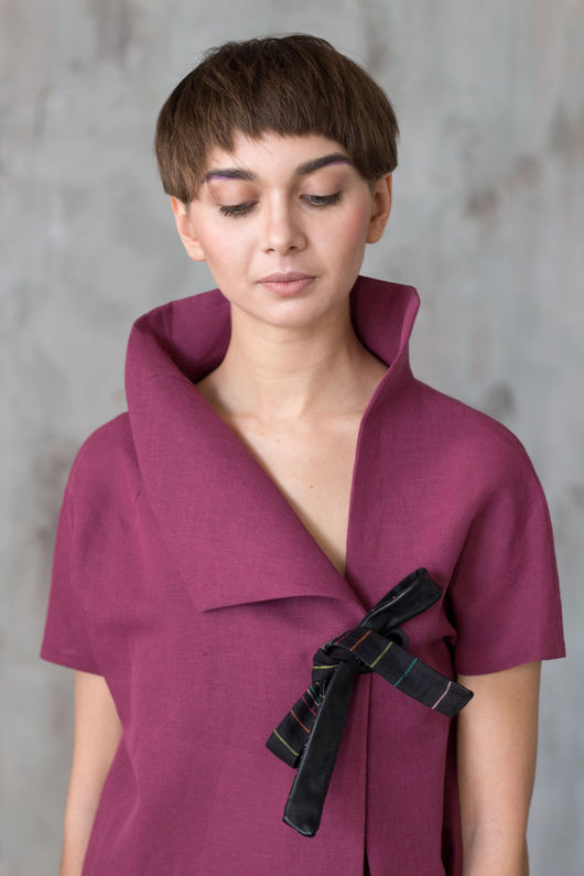 Блузки ручной работы. Ярмарка Мастеров - ручная работа. Купить Яркая блуза с асимметричным воротником / Блузка цвета фуксии. Handmade.
