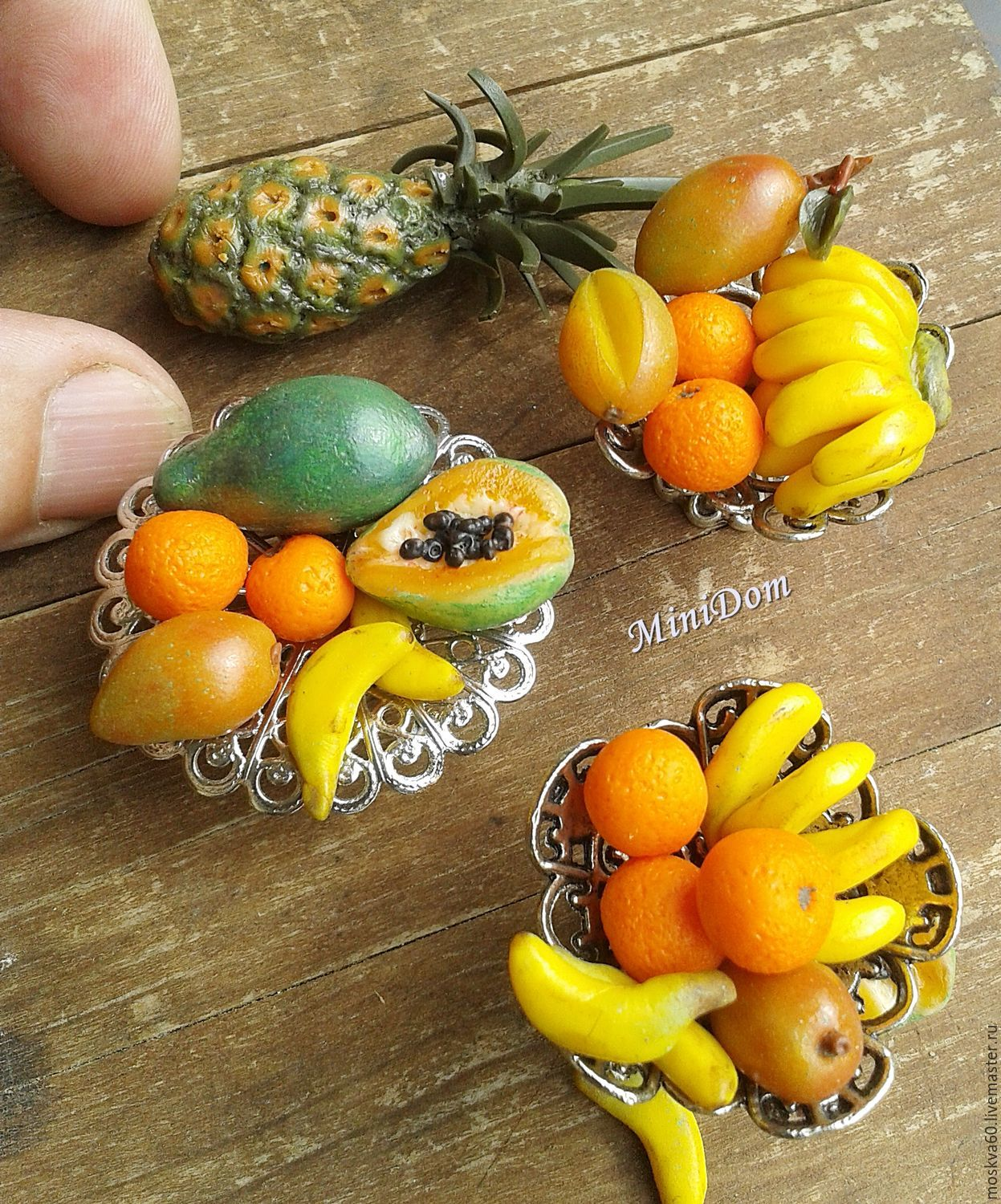 Dollhouse miniature for doll and toy doll house doll house accessories Dollhouse dolls food for dolls exotic fruits pineapple papaya mango scale 1 12 1 6 collectible miniature